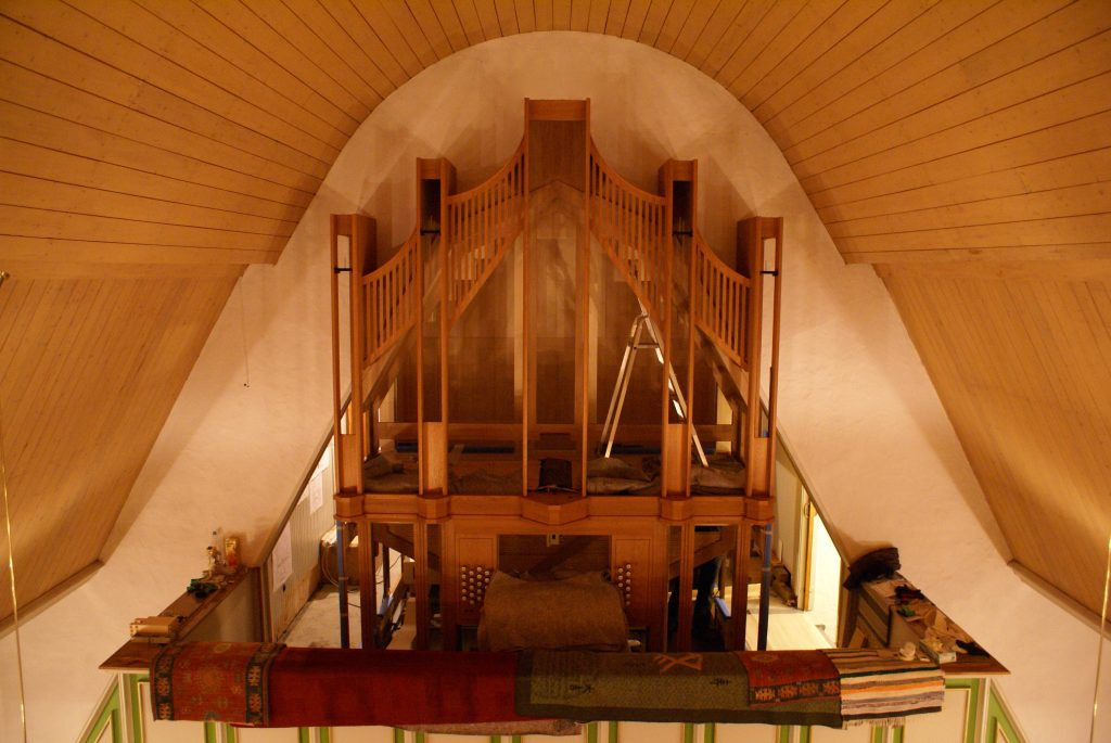Das Gehäuse ist fertig in Øksfjord, Loppa Kommune, Norwegen