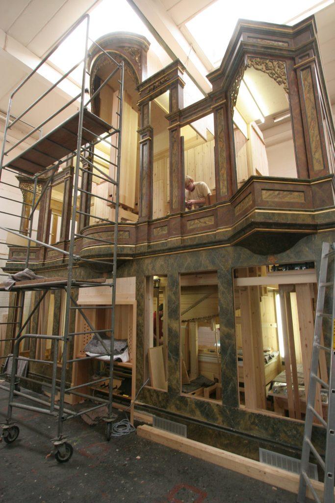 Werstattmontage der Orgel für die Johanneskirche in Frankfurt Bornheim, Hessen, Deutschland