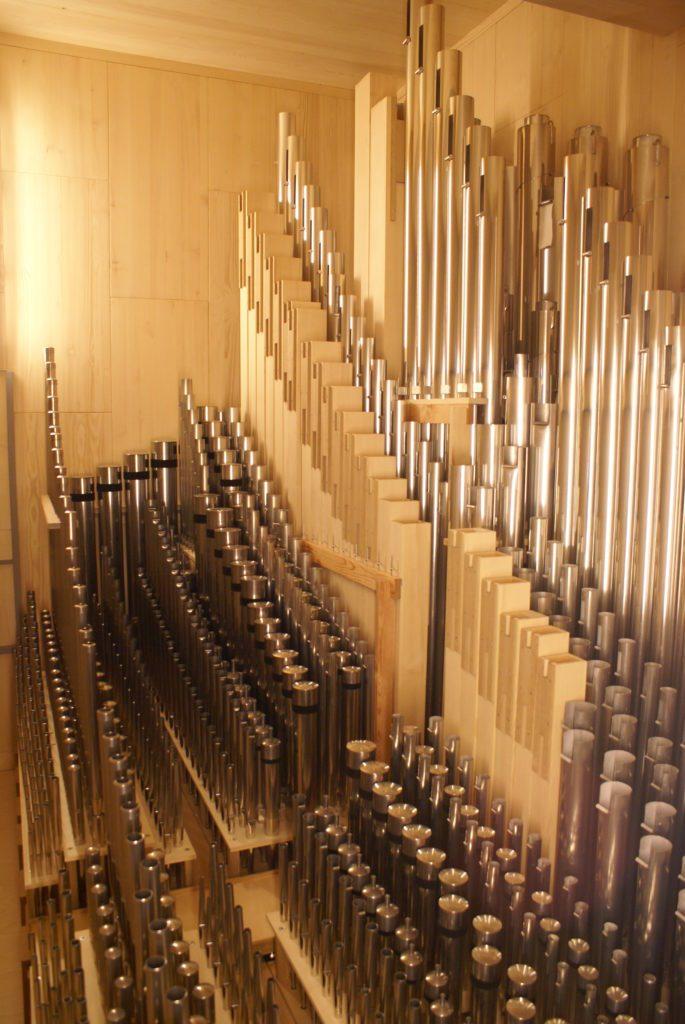 Blick ins schwellbare Positiv der Orgel der Heilig Kreuz Kirche in Detmold, Nordrhein Westfalen, Deutschland