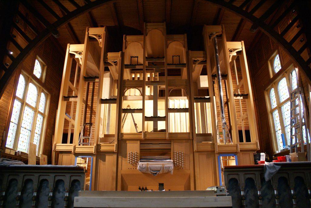 Das Hauptgehäuse steht für die Orgel in der Kirche in Strinda , Trondheim, Sør-Trøndelag, Norwegen
