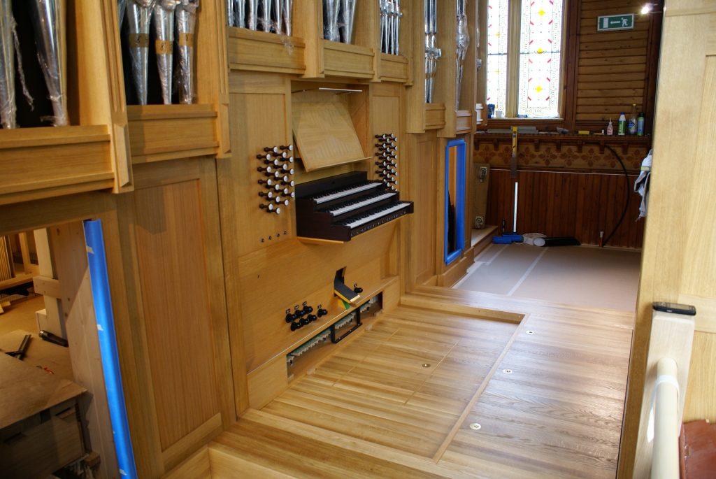 der Spieltisch für die Orgel in der Kirche in Strinda , Trondheim, Sør-Trøndelag, Norwegen