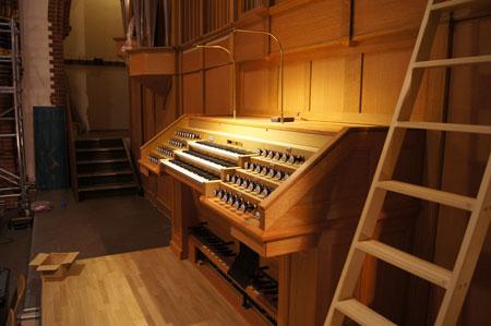 Spieltisch der Orgel in der Paulus Kirchengemeinde in Berlin Zehlendorf, Deutschland