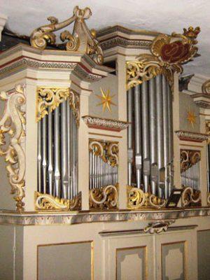 Prospektansicht der Wagner Orgel von 1739 in Schönwalde Glien, Brandenburg, Deutschland