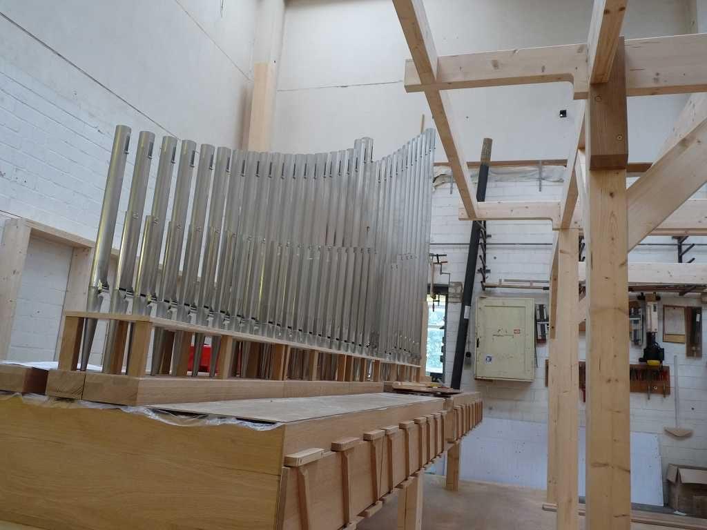 Violoncello 8´ und Choralbass 4´ stehen für die Orgel der Heilig Kreuz Kirche in Detmold, Nordrhein Westfalen, Deutschland