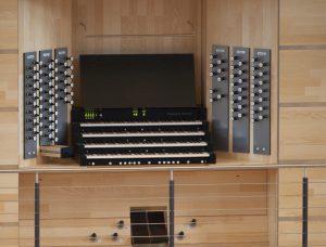 Der mechanische Spieltisch der neuen Orgel