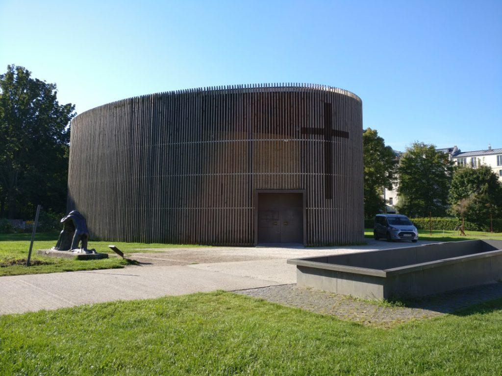 Kapelle der Versöhnung - Blick auf die Kapelle von außen