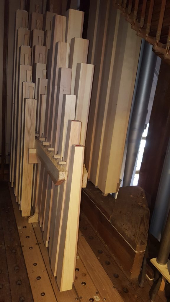 Niemegk: Rekonstruierte Holzpfeifen im Hauptwerk