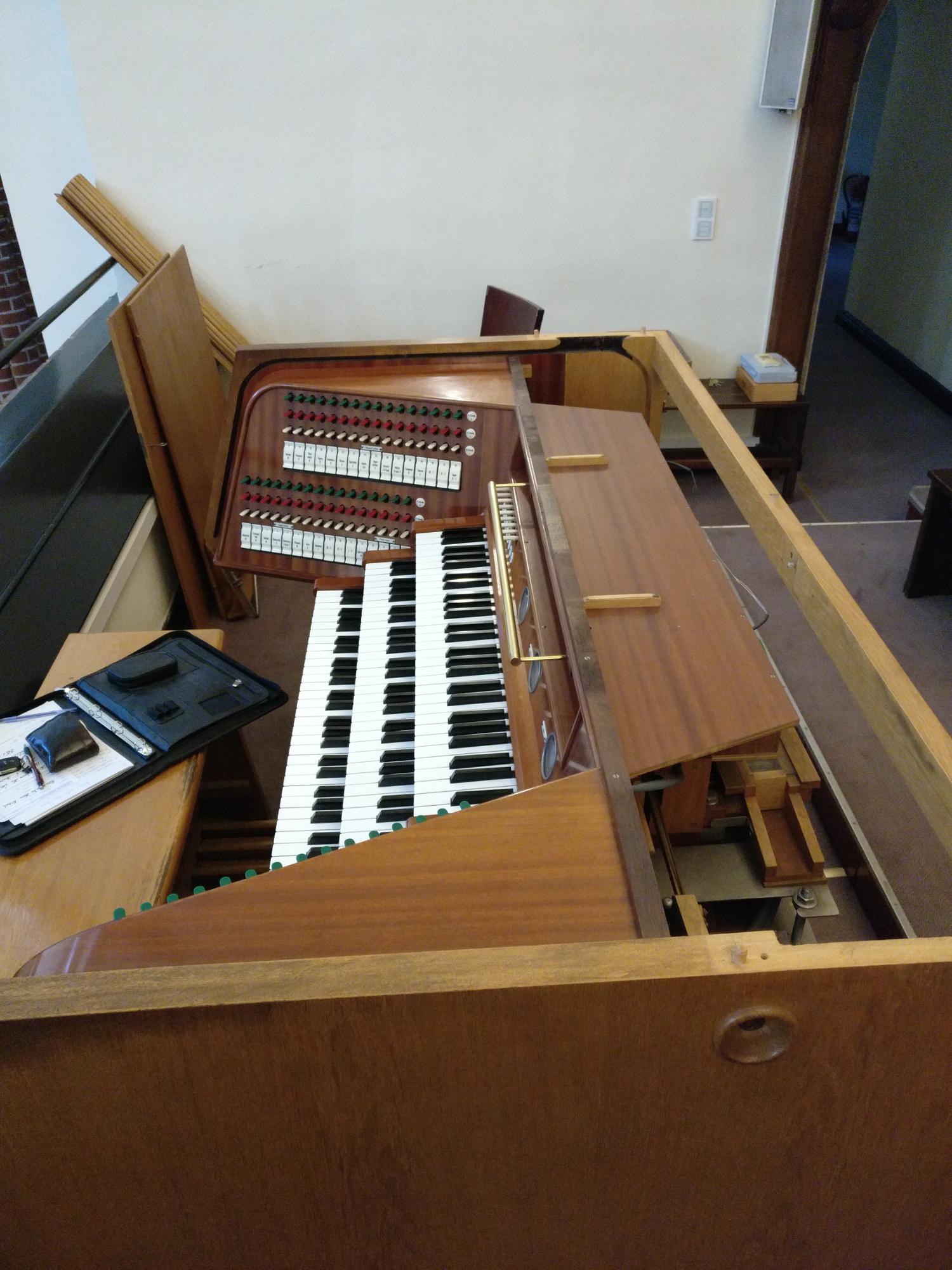 Reinigung und Überarbeitung der Feith-Orgel in Maria unter