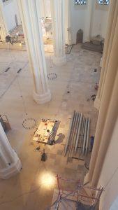 St. Matthias, Berlin: Blick aus der Orgel in das renovierte Kirchenschiff