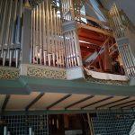 Blick in die Orgel durch den entfernten Prospekt
